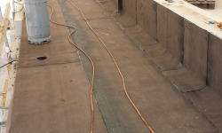 Lamekatuse ehitus ja remonditööd: rõdu vesieristus aluskattematerjaliga