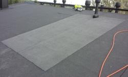Lamekatuse remont ja parandus: lekkiva katusepinna paikkamine